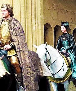Jacob Collins Levy, Michelle Fairley and Vincent Regan on the set of The White Princess (x)