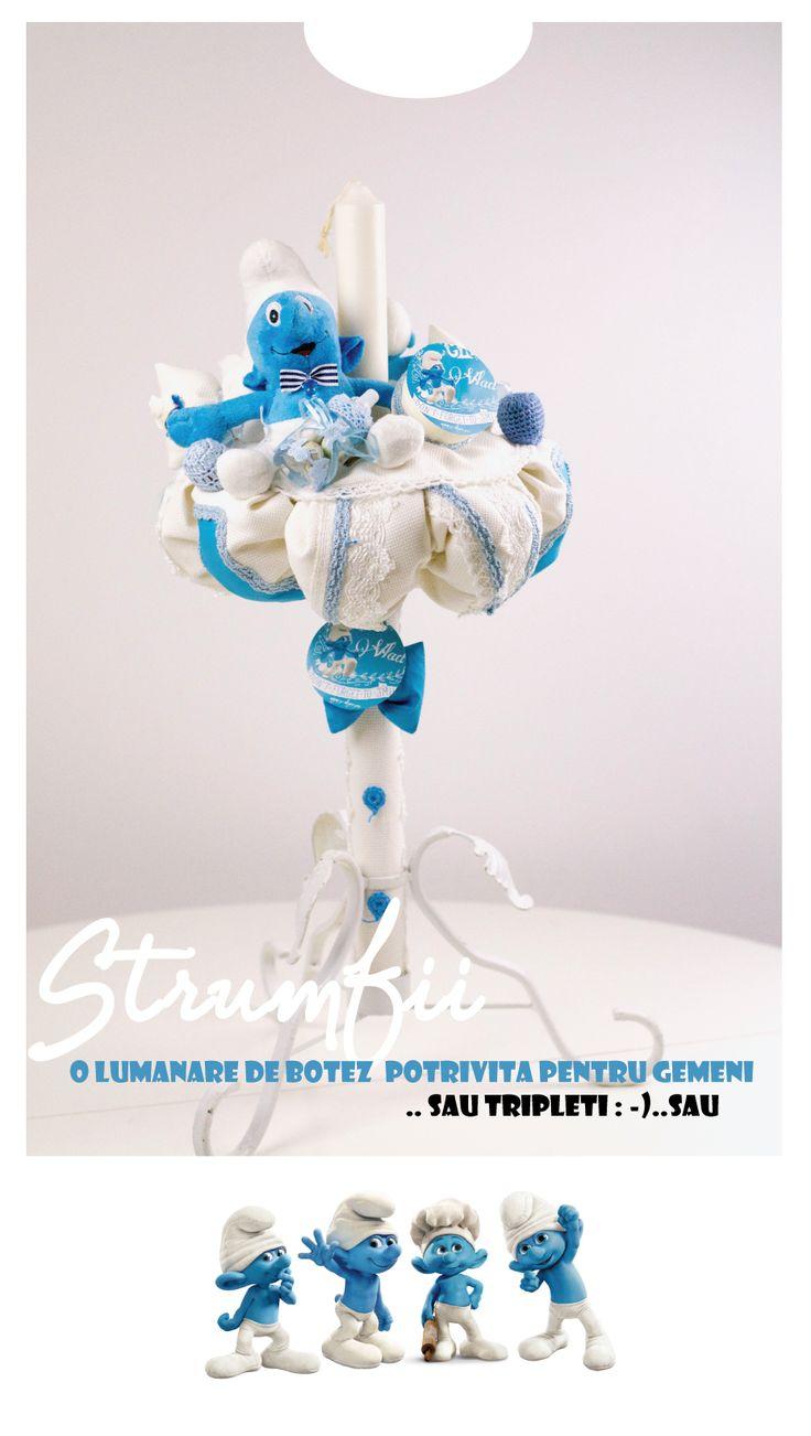 Lumanare de botez cu Strumfi , Shop online www.c-store.ro Design by Toni Malloni marturii Botez - Invitatii Botez - Trusouri & Lumanari Custom made