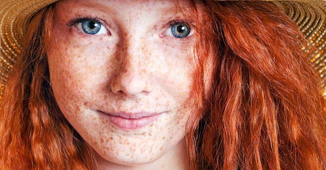 Oggi una ragazzina dai capelli rossi ha cercato un libro sulla bellezza diceva che troppo oggi conta l'aspetto fisico e questo la turbava. Le abbiamo proposto un libricino sulla storia del femminismo e le cercheremo un testo su misura....Essere librai  è ogni giorno una ricerca e una scoperta. E GRAZIE alle ragazzine piene di luce!!!Alle tante donne che si interrogano e vivono in pienezza con i loro dubbi e i loro sogni.