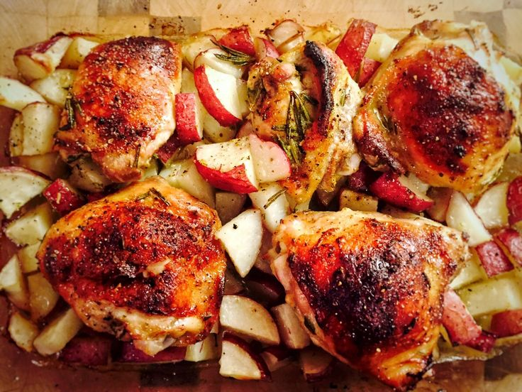Rosemary-Garlic Roast Leg Of Lamb With Red Potatoes Recipe ...