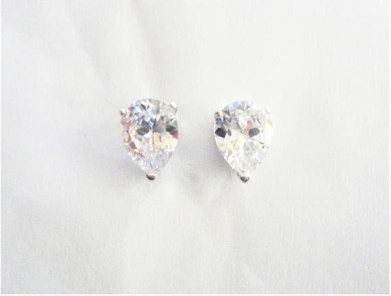 3.5ct Clear/White Natural Pear cut Diamond Simulated 925
