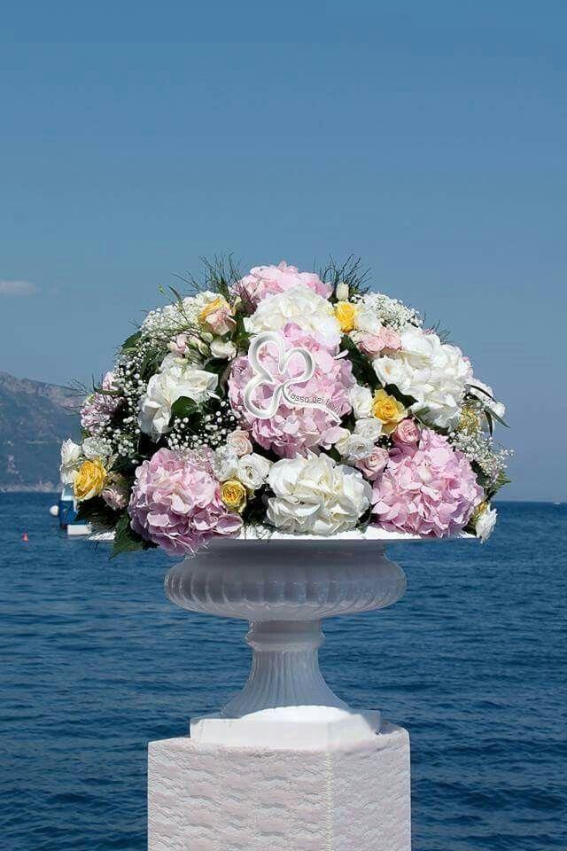Tinte delicate, romanticismo e tanta raffinatezza per un matrimonio indimenticabile in costiera
