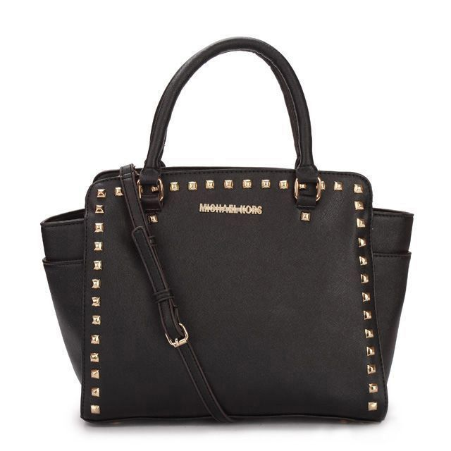 #MichaelKors #FashionBags Kiss With The Michael Kors Selma Studded Saffiano Large Black Totes In A Sweet Dearm Now In Our Store!