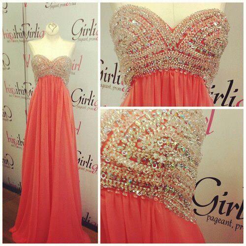PARA UNA NOCHE ESPECIAL- hermoso vestido color salmón con pedrería