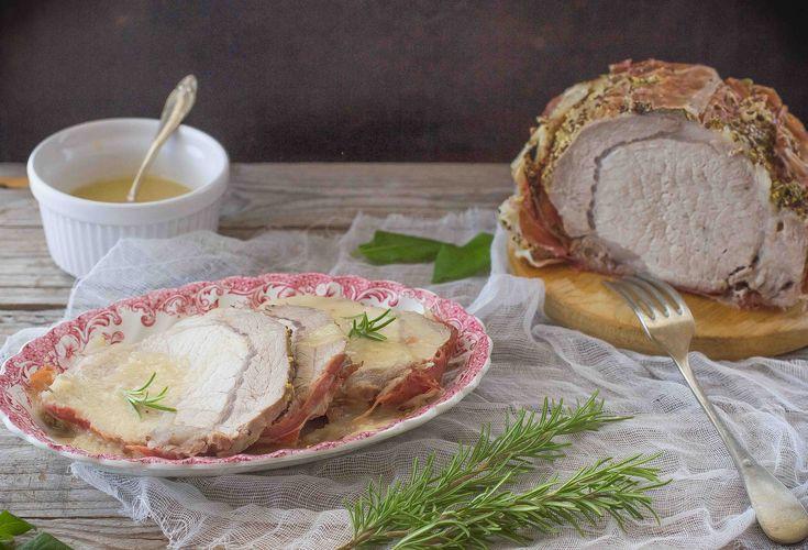 Il filetto alla birra è un secondo piatto succulento e facile da realizzare e scoprite la nostra ricetta con carne di maiale avvolta con speck croccante.
