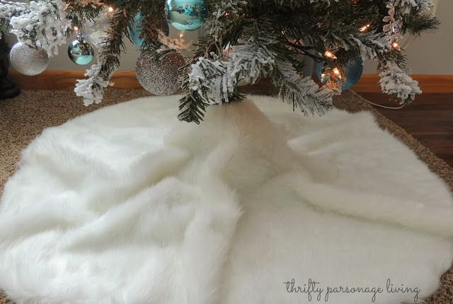 Thrifty Parsonage Living: DIY NO SEW FAUX FUR TREE SKIRT