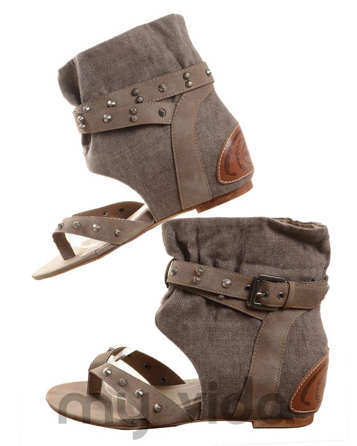TORTORA - https://www.myvida.org - Sandali jeans donna con infradito. Sandalo tipo gladiatore con borchie, zeppa interna e tacco basso.