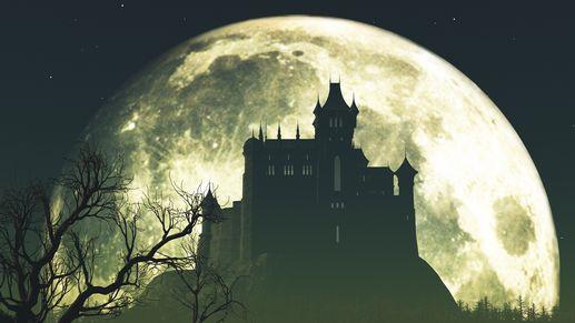 Les châteaux hantés font partie de l'imaginaire d'Halloween. [© microcozm - Fotolia]