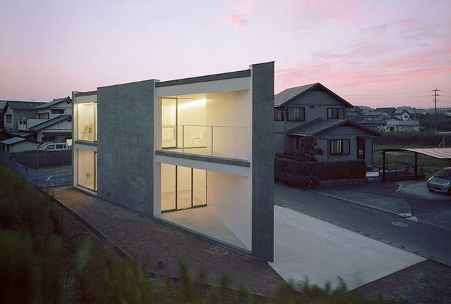 Riverbank House by Atsushi and Mayumi Kawamoto