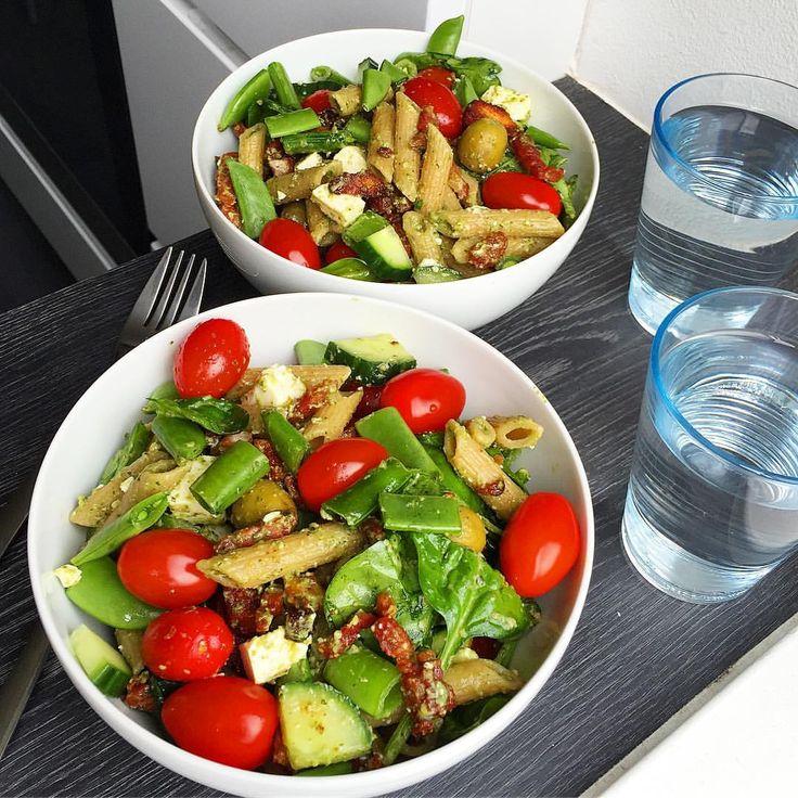 Salat med pasta og bacon