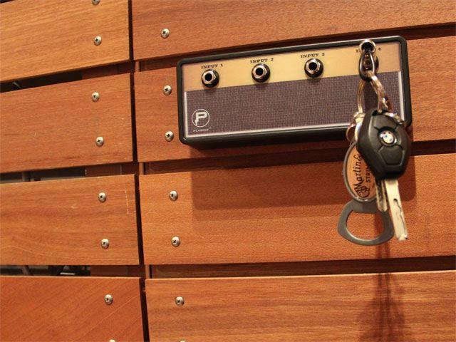 """何気ないライフスタイルに音楽を。【Pluginz】 Pluginz(プラグインツ) """"Legato"""" Jack Rack with 4 keychains"""