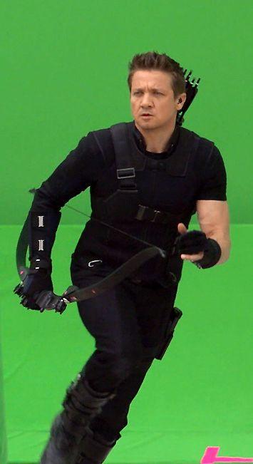 Behind the Scenes of Captain America Civil War - Hawkeye / Jeremy Renner