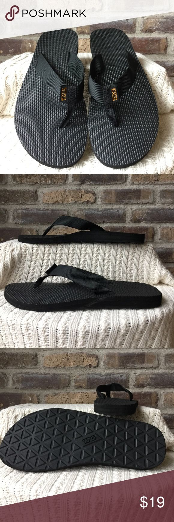 Teva flip-flops Women's size 10 black like new condition Teva flip-flops Teva Shoes Sandals & Flip-Flops