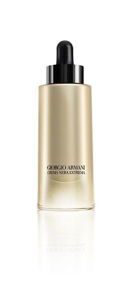 「ジョルジオ アルマーニ(GIORGIO ARMANI)」は11日、瞬時にハリ・弾力感を与え、若々しい印象の肌に導くオイル「クレマ ネラ エクストレマ オイル」を発売した。 ジョルジオ アルマーニ ラボは、150種類以上の植物をスクリーニ...