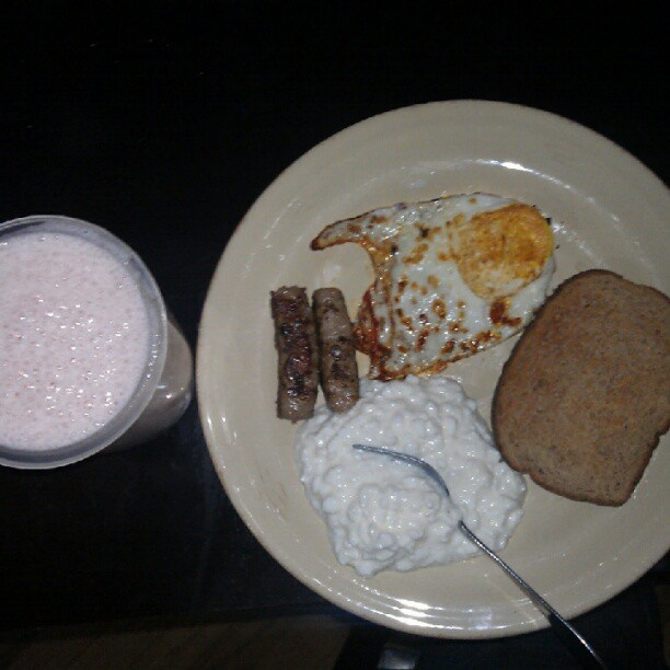 Pussy workout meal cottage cheese, turkey sausage, what toast, eggs, strawberry and.banana protein shake. #fitness #health #postworkout #diet Pussy workout meal cottage cheese, turkey sausage, what toast, eggs, strawberry and.banana protein shake. #fitness #health #postworkout #diet