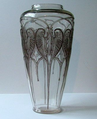 Rene Lalique. INSEPERABLES A spectacular clear and blue grey stained example of this rare vase. Date c1920