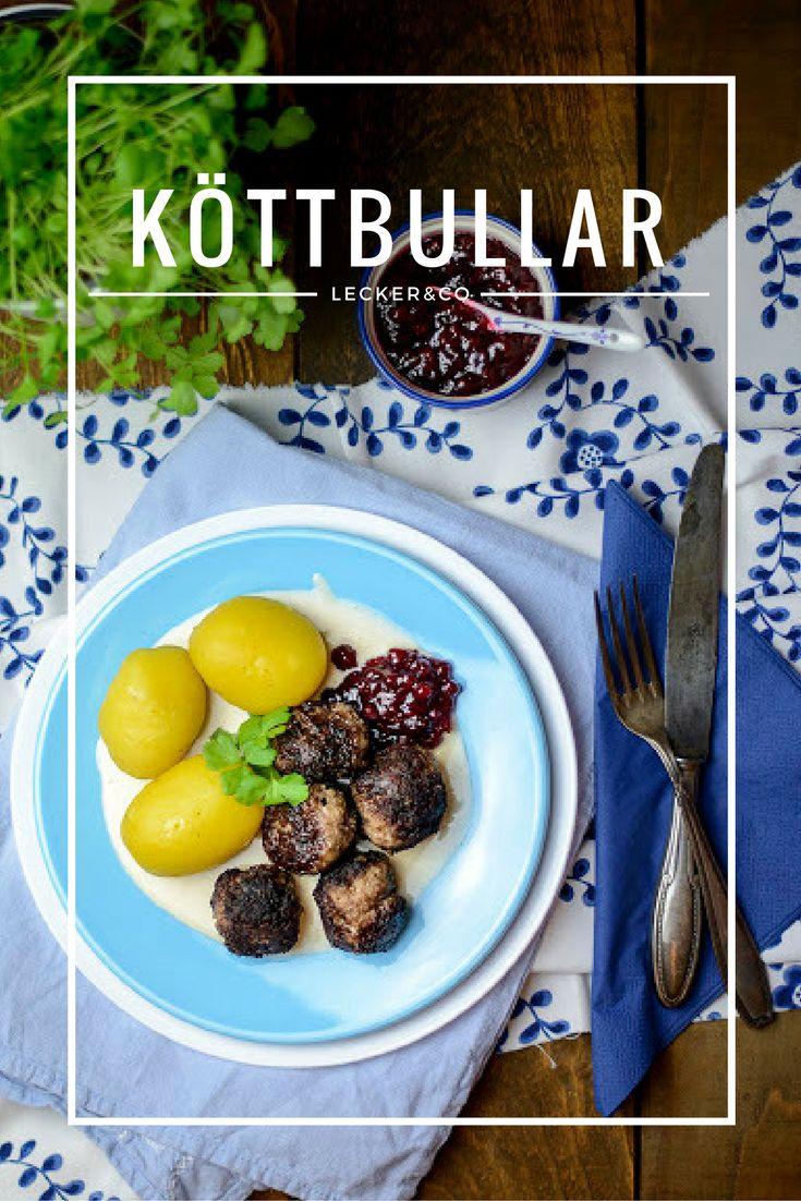 Köttbullar - Schwedische Hackbällchen mit Rahmsoße und Preiselbeeren