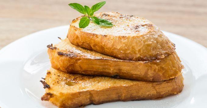 15 recettes à faire avec du pain rassis - Gratin croustillant de tomates au jambon - Cuisine AZ