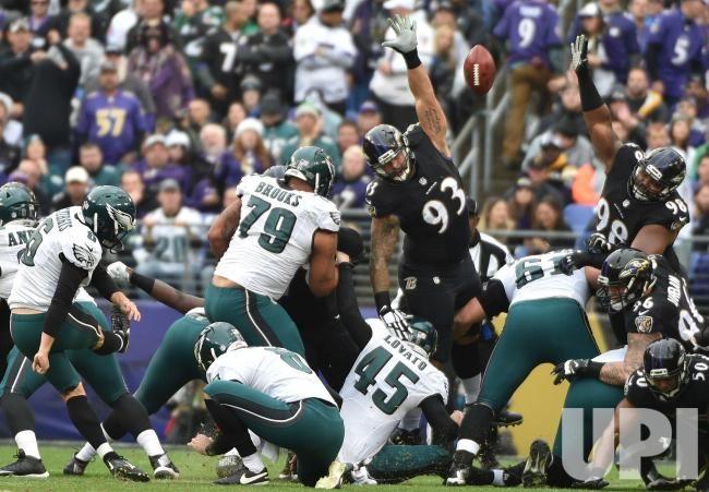 Philadelphia Eagles kicker Caleb Sturgis (6) kicks a 45-yard field goal against the Baltimore Ravens during the first half of their NFL…