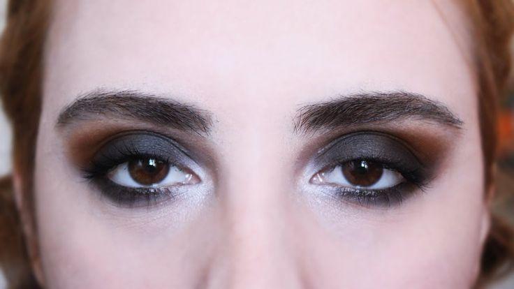 Siyah Dumanlı Göz Makyajı 🔥 Islak Mendil Yöntemi ile Aşırı Kolay Değil 😏...