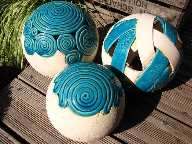 http://de.dawanda.com/product/85037355-gartenkugel-schneckal-23-cm