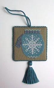Foto: Stitcher - D.T. (11/07) Designer - Cricket Collection Design Name - Winter Welcome, Snowflake Mitten