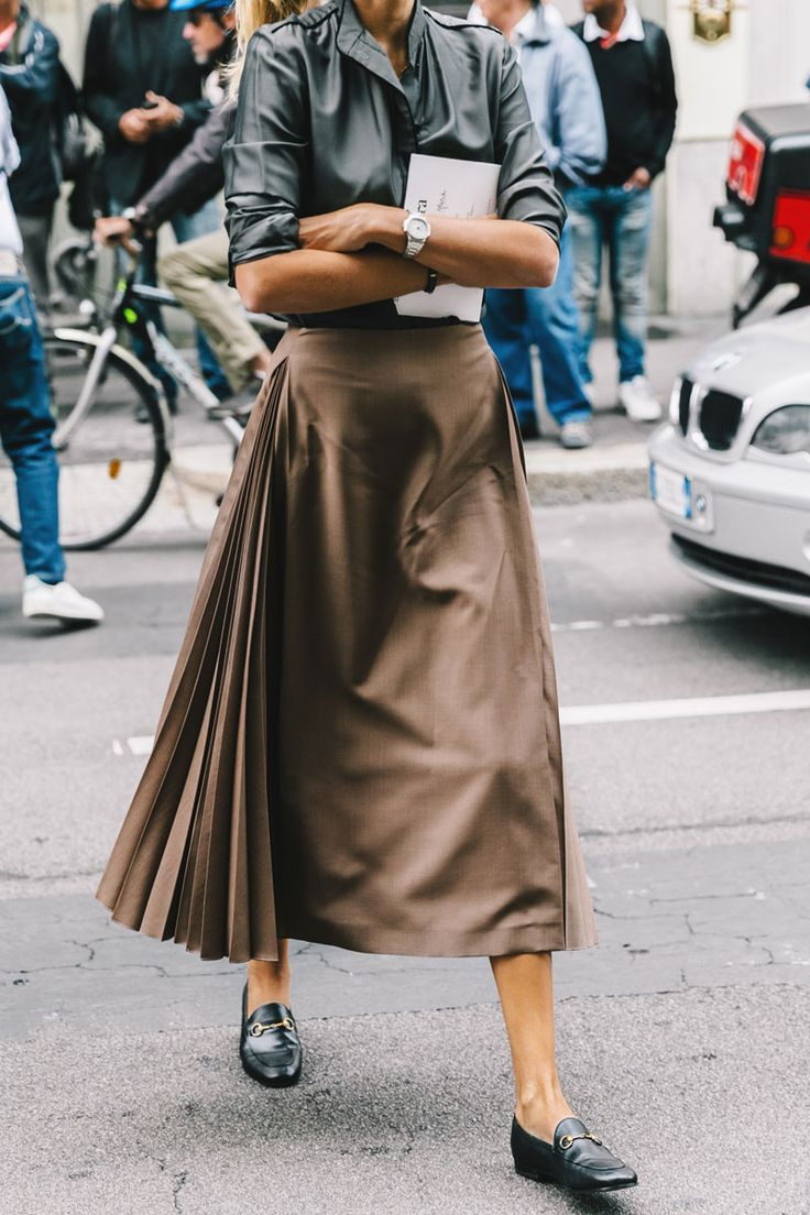 Street Style : pleated godet panelled skirt worn back with classic shirt and flats || Saved by Gabby Fincham ||