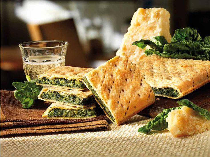 Ingredienti per 8 persone:  1 kg di erbette  400 g di spinaci  2 porri (in alternativa 1 cipolla)  1 spicchio d'aglio  120 g di lardo  80 g...