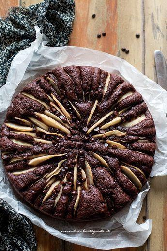 Torta soffice pere e cioccolato (Ricetta facilissima) - Tavolartegusto