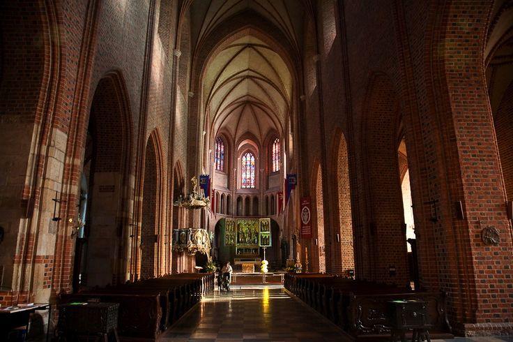 Katedra w Poznaniu, nawa główna