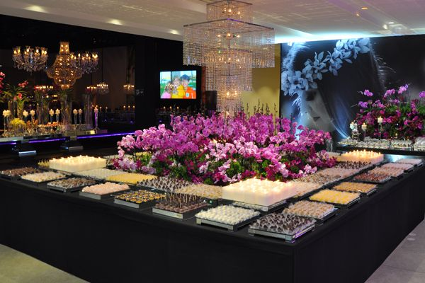 Decoração mesa doces festa 15 anos (Decoração: Monica Lipiani   Foto: Amanda Dias)