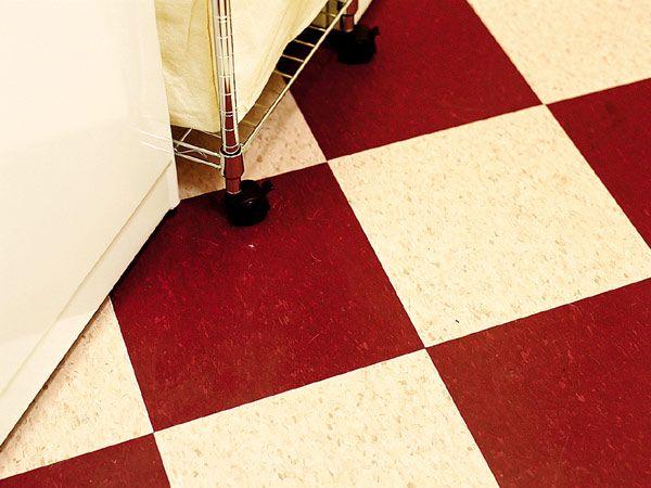 Red and white checkered vinyl flooring gurus floor for Checkered linoleum flooring