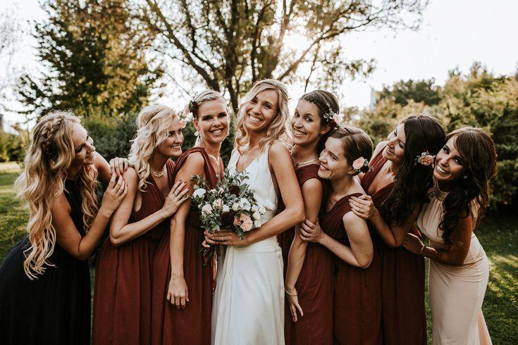 un mariage champ tre et pastel en hongrie demoiselles d 39 honneur bridesmaids pinterest. Black Bedroom Furniture Sets. Home Design Ideas