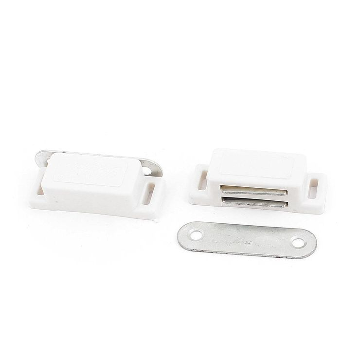 Kitchen Door Wardrobe Cupboard Cabinet Single Magnetic Latch Catch White 2Pcs