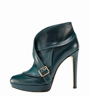 Zapatos de ensueño de Gaetano Perrone #shoes #MadeinItaly #GaetanoPerrone #leather #fabulous #stilettos #zapatos #tacones www.lamodaya.com