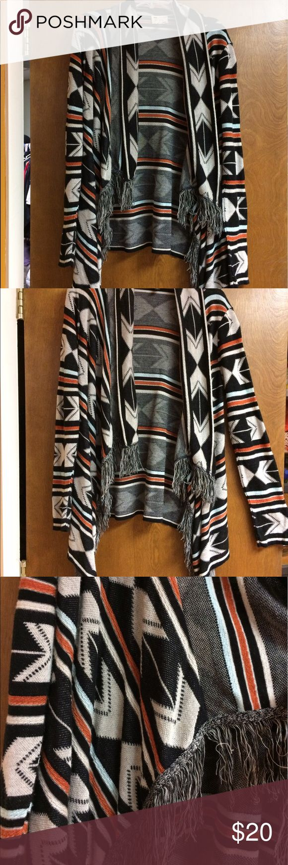 Aztec print boho sweater Light weight yet cozy, this sweater is perfect for cool spring nights. Say What? Sweaters Cardigans