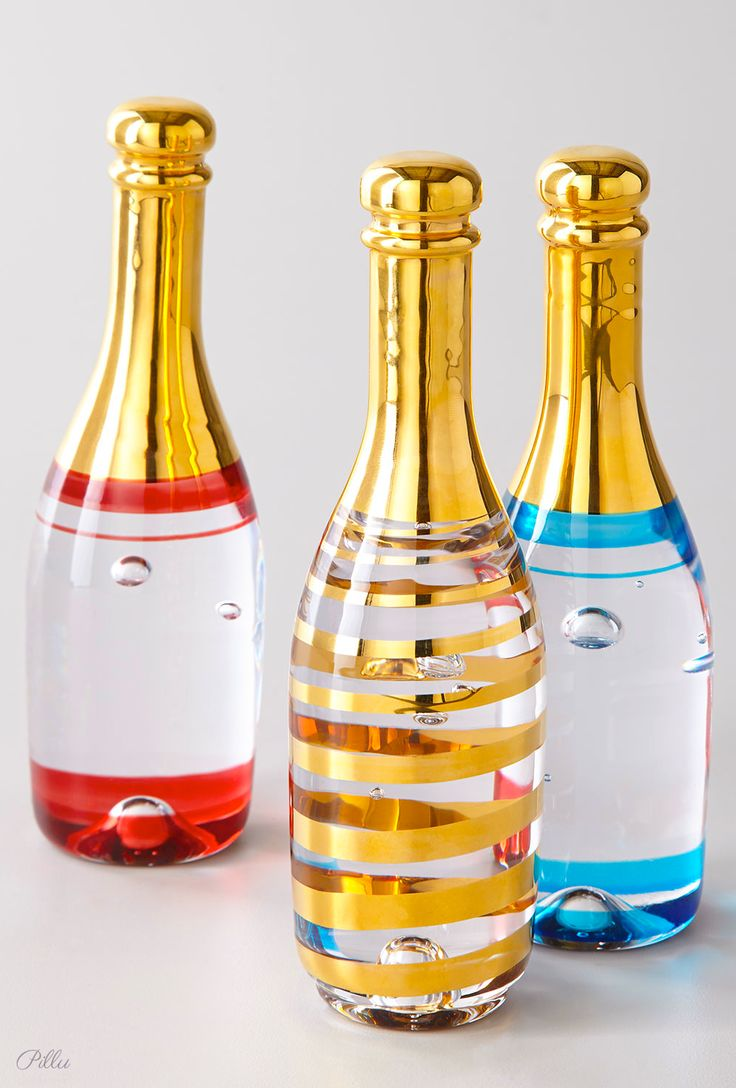 Kosta Boda Celebrate Champagne Bottle. Designed by Kjell Engman.  #design  #packaging #champagne PD