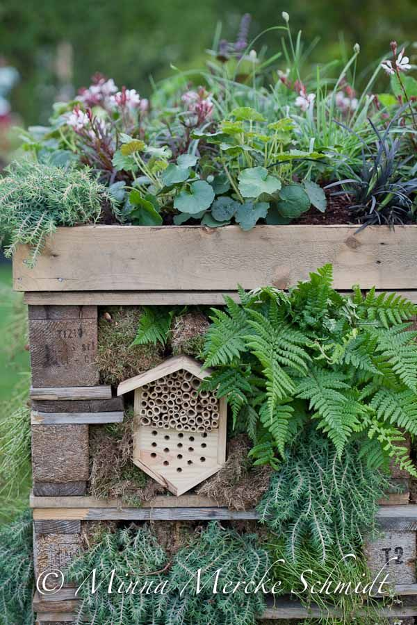Malmö Garden Show   blomsterverkstad//vertical pallet garden, habitat w/ mason bee house