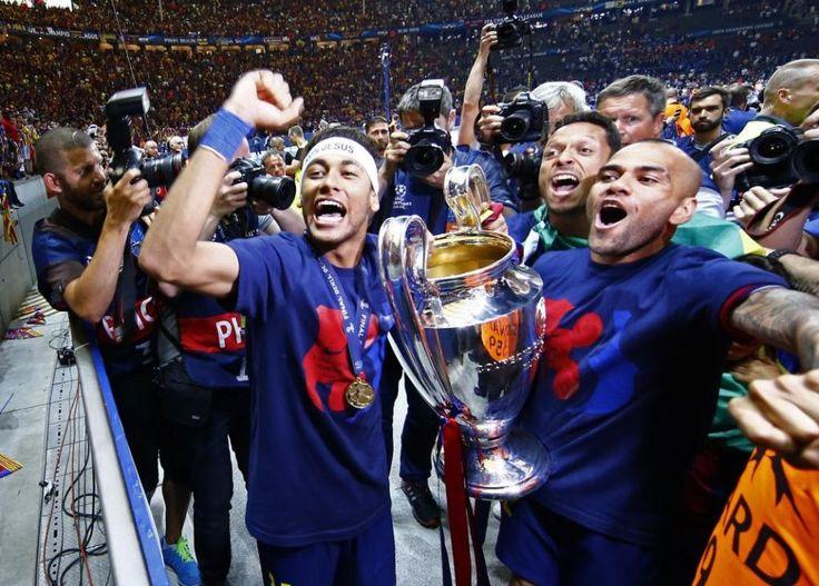 FOTOGRAFÍA DIARIO MARCA. Final Champions F. C. Barcelona - Juventus. La celebración de los jugadores en el Estadio Olímpico de Berlín. 7.06.15