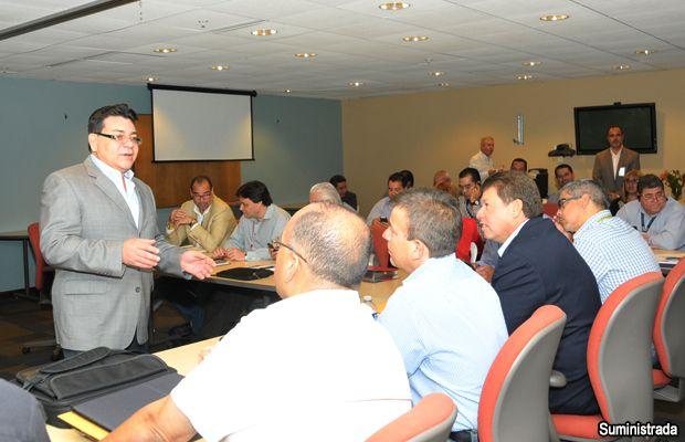 AEE discute planes de emergencia para la temporada de huracanes