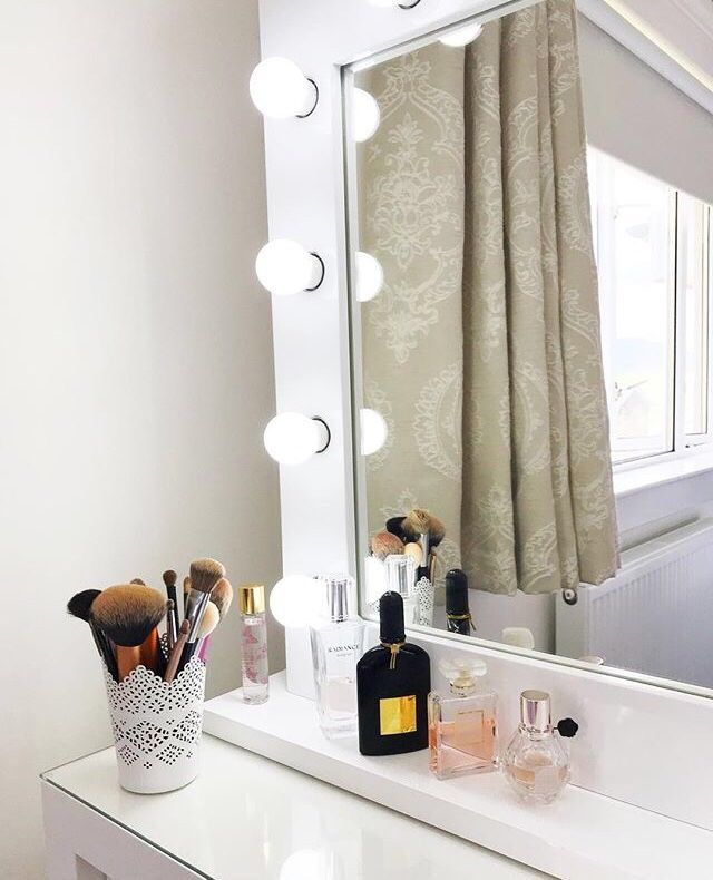Dressing Table Mirror With Lights And Storage