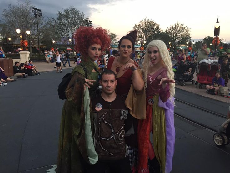 PHOTOS: Top 20 Disney costumes from last night's Mickey's Not So Scary Halloween Party