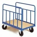 Axess-industries propose plus de 550 modèles de chariots de manutention.  En direct des fabricants, nous proposons chariots à ridelles, chariots containers, chariots à plateaux, chariots porte-panneaux,  chariots inox, servantes et dessertes, ...