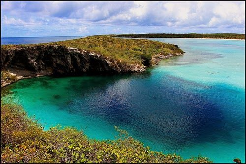 Clarence Town (Deans) Blue Hole on Long Island - second largest blue hole in the world