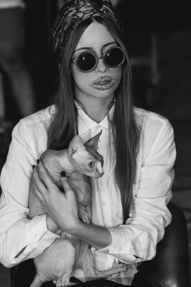 Iulia Albu 'ruby lips' interpretation