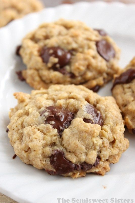 Chocolate Chip Oatmeal Cookies with quick oats