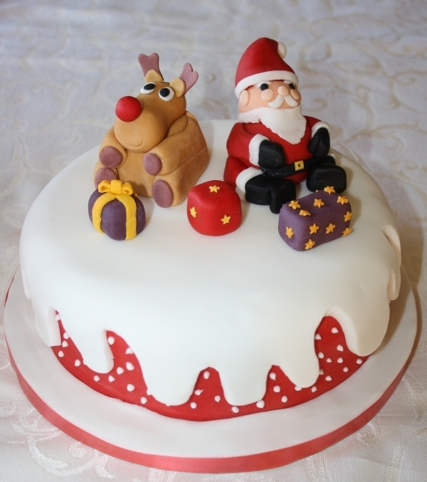 Decorating A Christmas Cake Part - 34: 82 Mouthwatering Christmas Cake Decoration Ideas 2017 - How Are You Going  To Decorate Your Christmas Cake? A Christmas Cake Is A Fruitcake That Is  Specially ...
