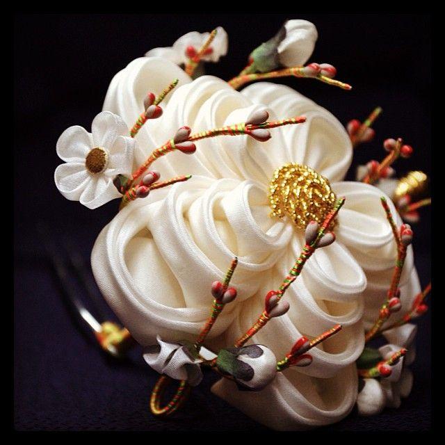 Q2 February Plum blossom (ume 梅) kanzashi for senior maiko. From Ikuokaya traditional hair ornament shop in Kyoto