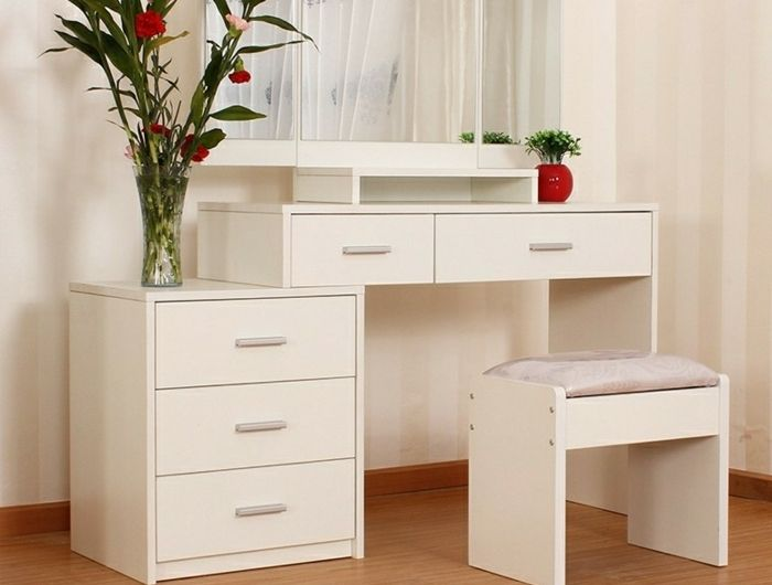 les 25 meilleures id es de la cat gorie coiffeuse meuble sur pinterest tag res de maquillage. Black Bedroom Furniture Sets. Home Design Ideas