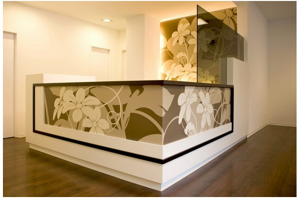 Great blog with reception desk ideas. This one is from a Berlin doctor's office.